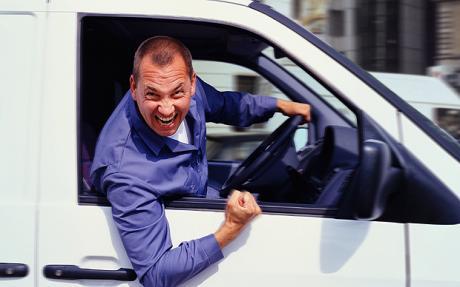 agresywnego-kierowce-poznasz-po-naklejce